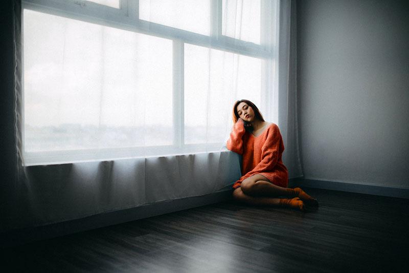 sad girl alone adrienne-kirk-pregnancy-bereavement-help