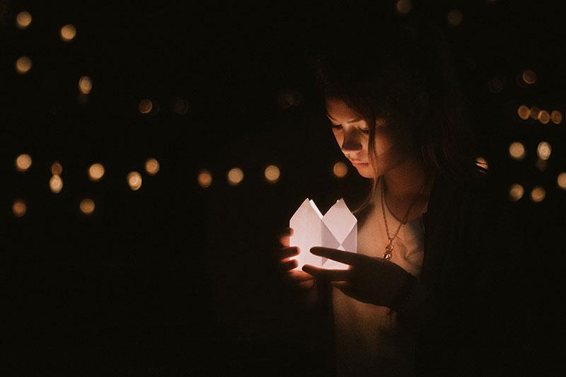 girl looking at light adrienne-kirk-pregnancy-bereavement-help